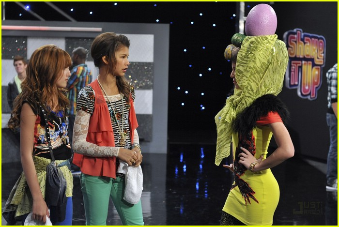 bella zendaya heat shake up 22