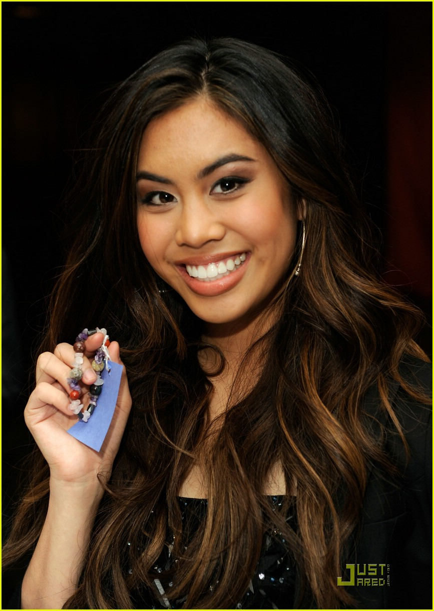 ashley argota wiki
