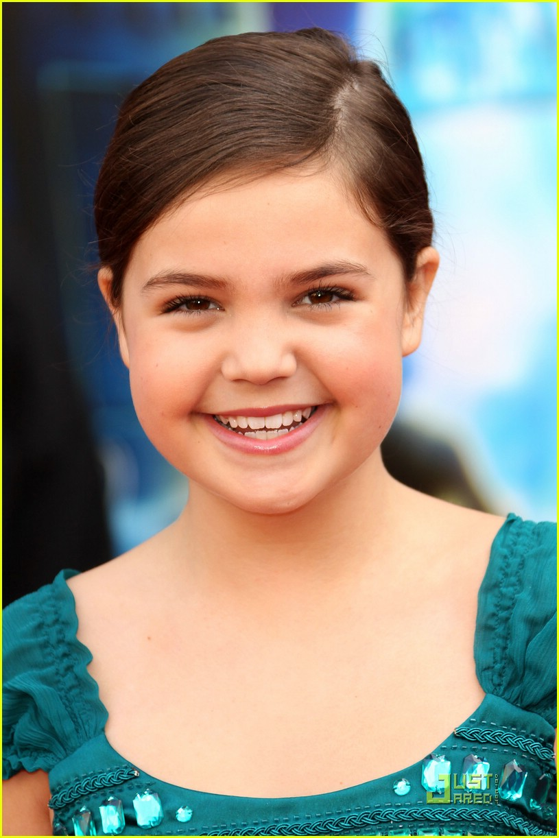 bailee madison mars moms 04