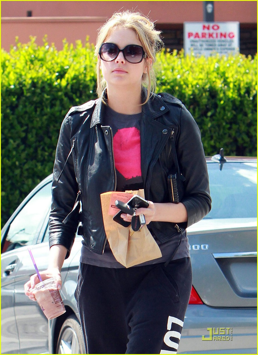 ashley benson coffee bean 02