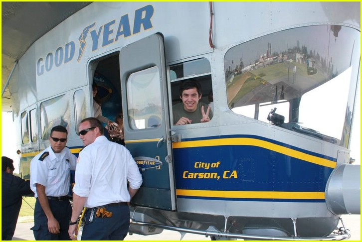 david archuleta blimp ride 02