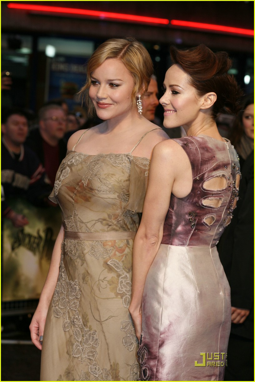 jena malone emily browning london 11