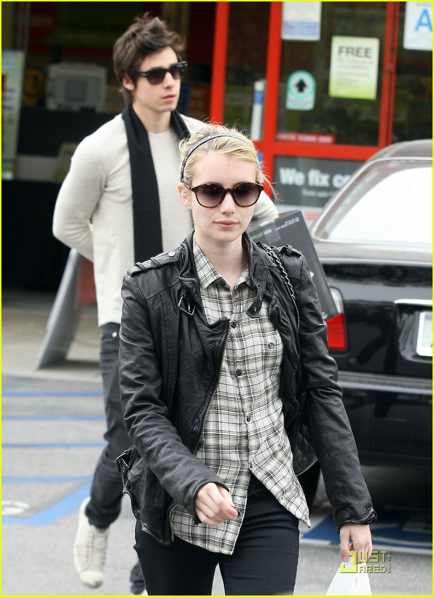 emma roberts staples run 15