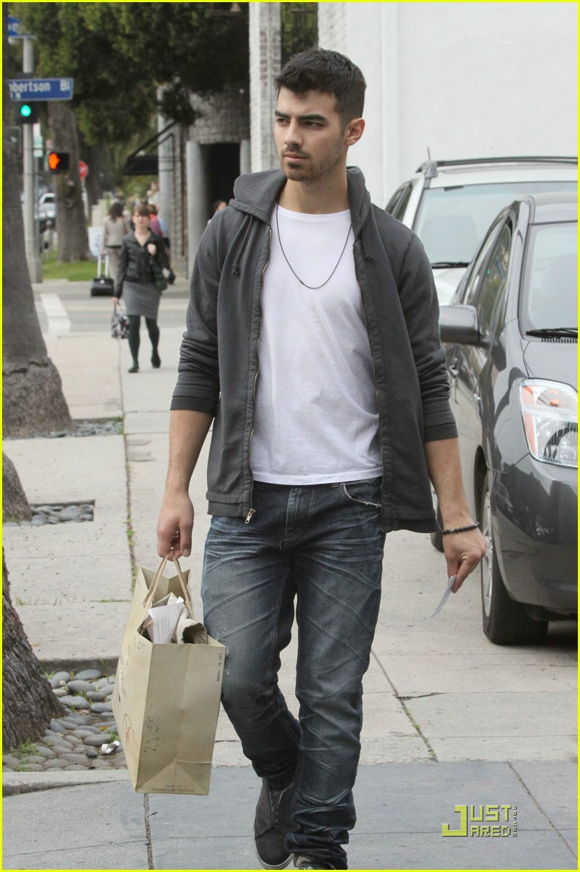 joe jonas all saints 06