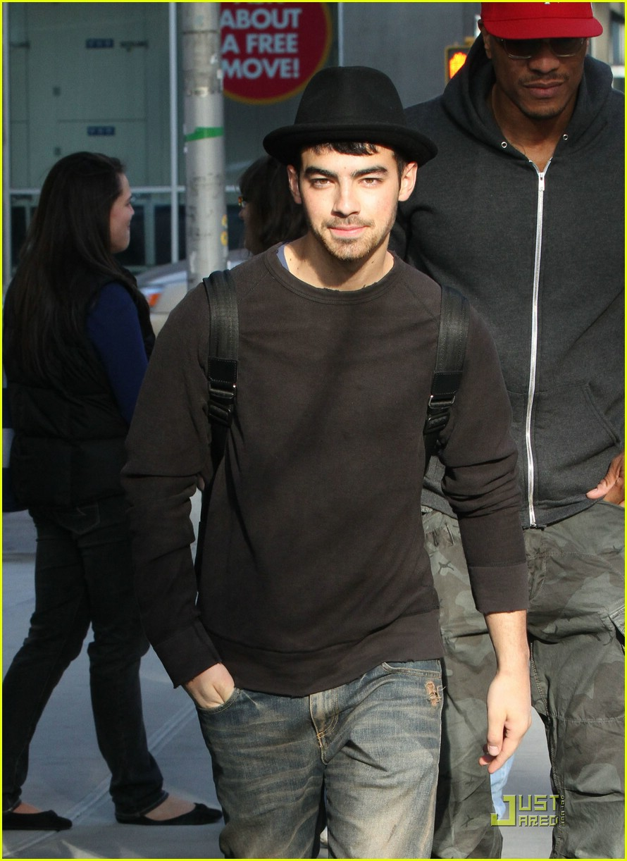 joe jonas fedora nyc 01