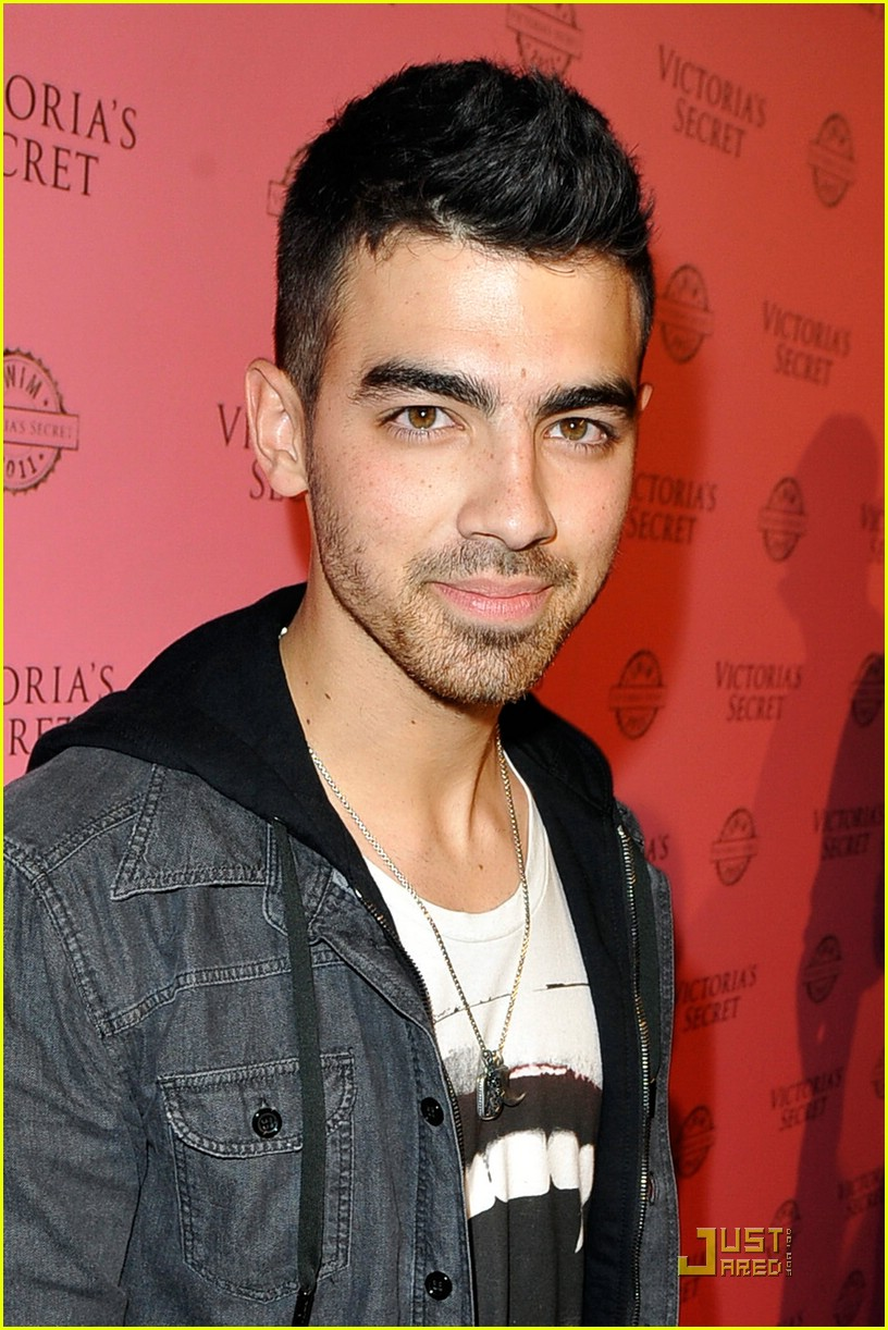 joe jonas surfer secret 02