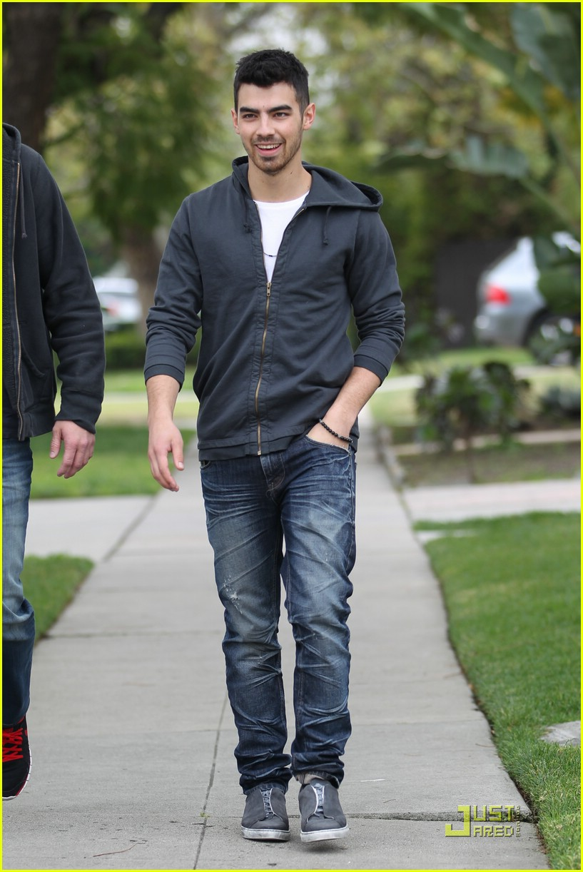 joe jonas winston doctor 12