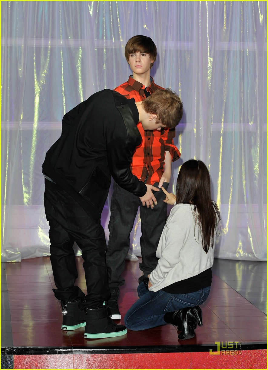 justin bieber wax figure 04