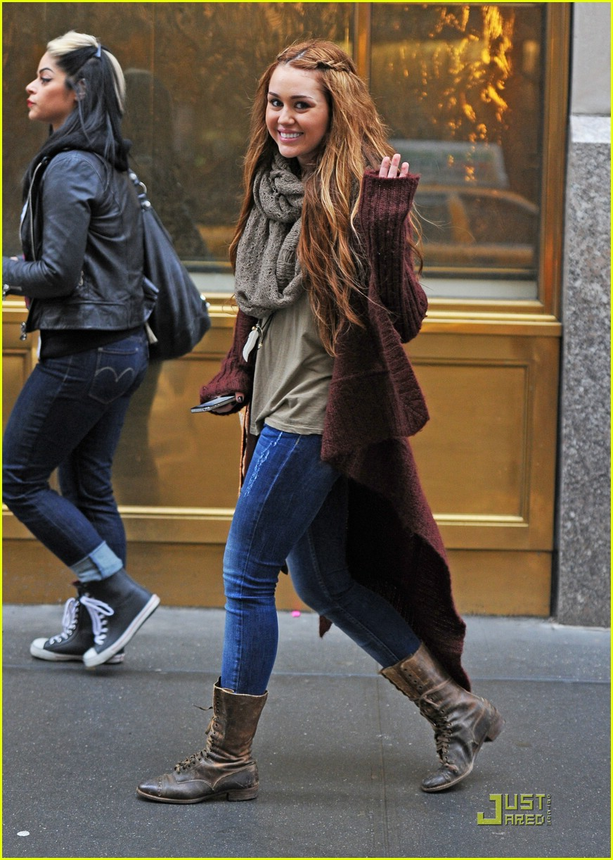 miley cyrus nyc shopper 03