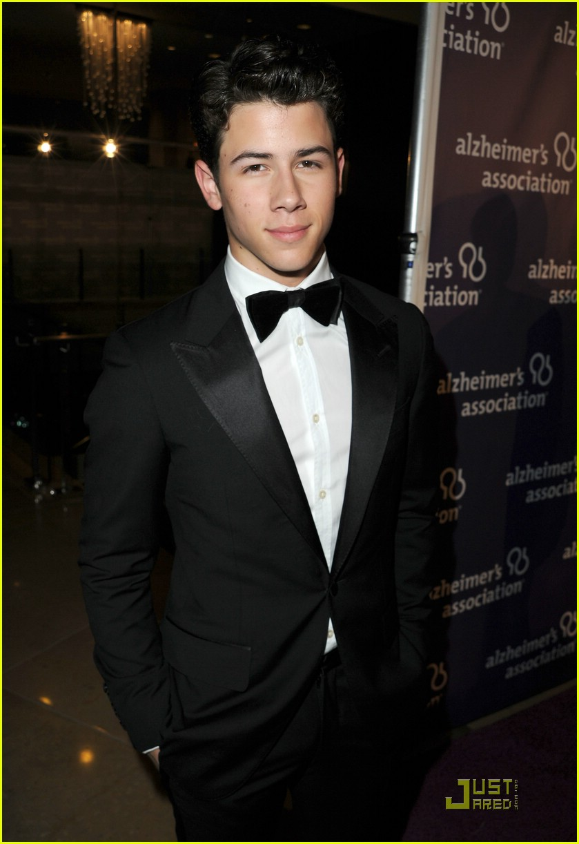nick jonas night sardis 01