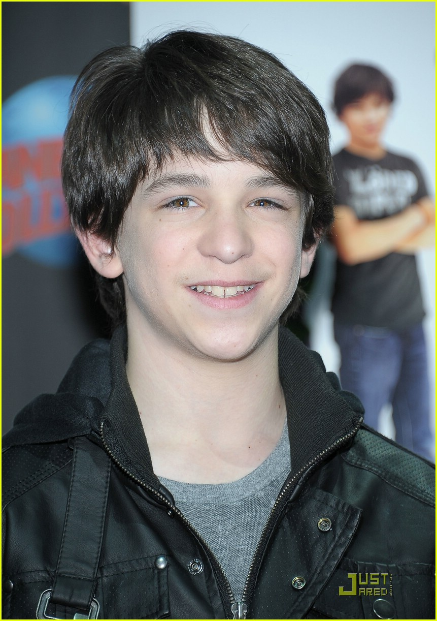 zachary gordon wimpy planet 01