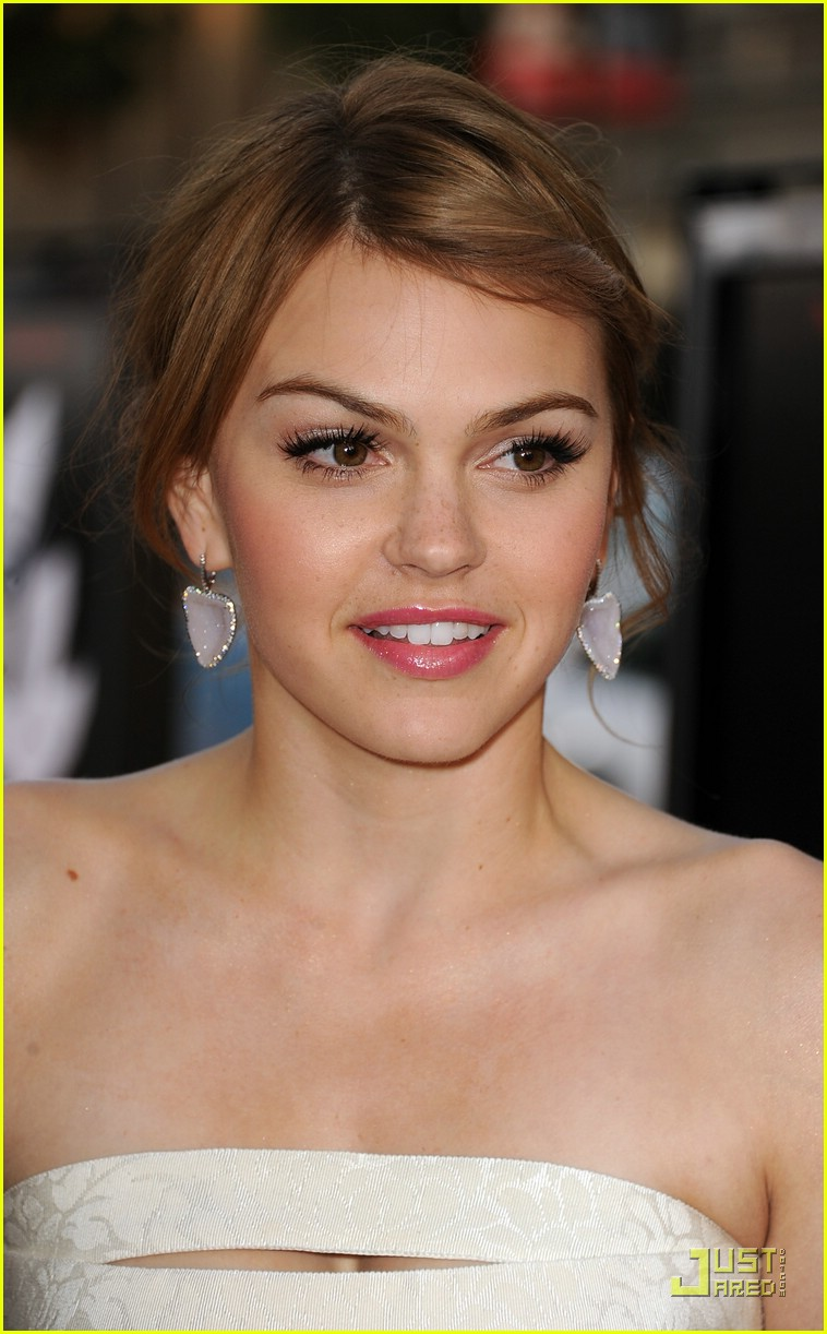 aimee teegarden scream 4 07