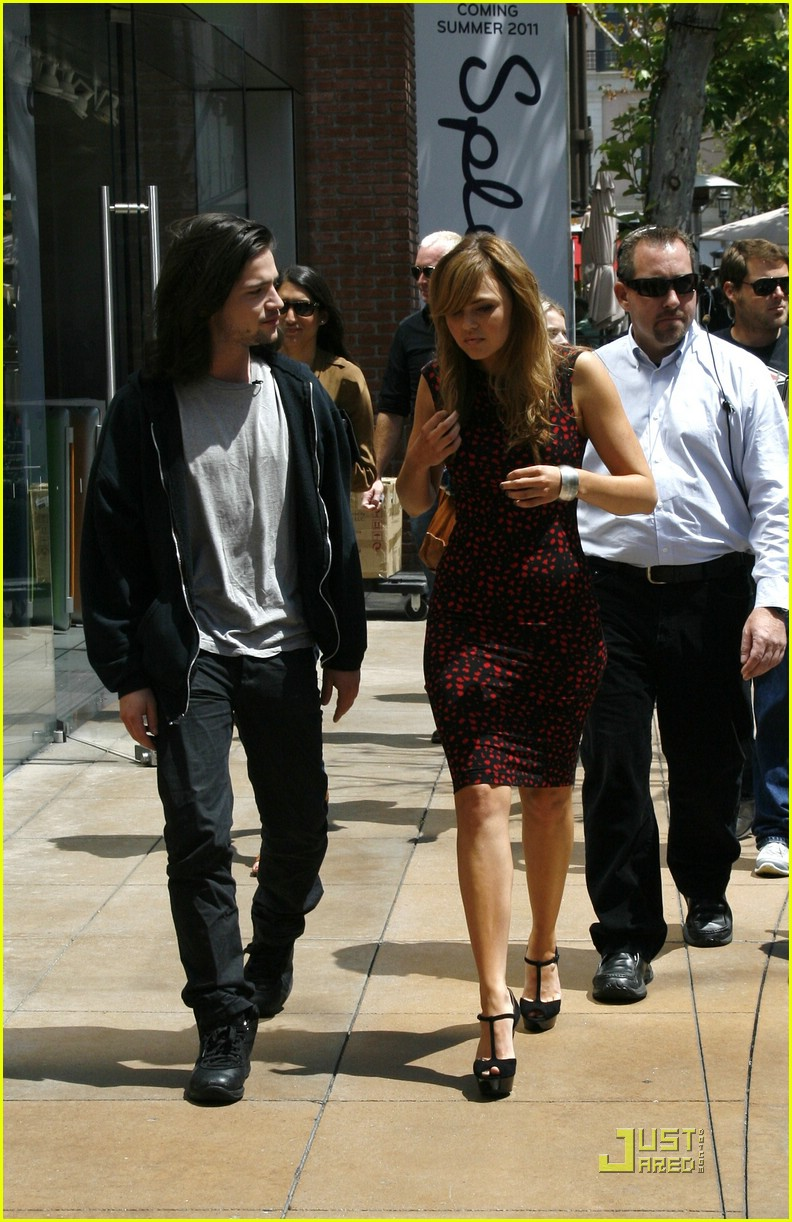 aimee teegarden thomas mcdonell glendale extra 06