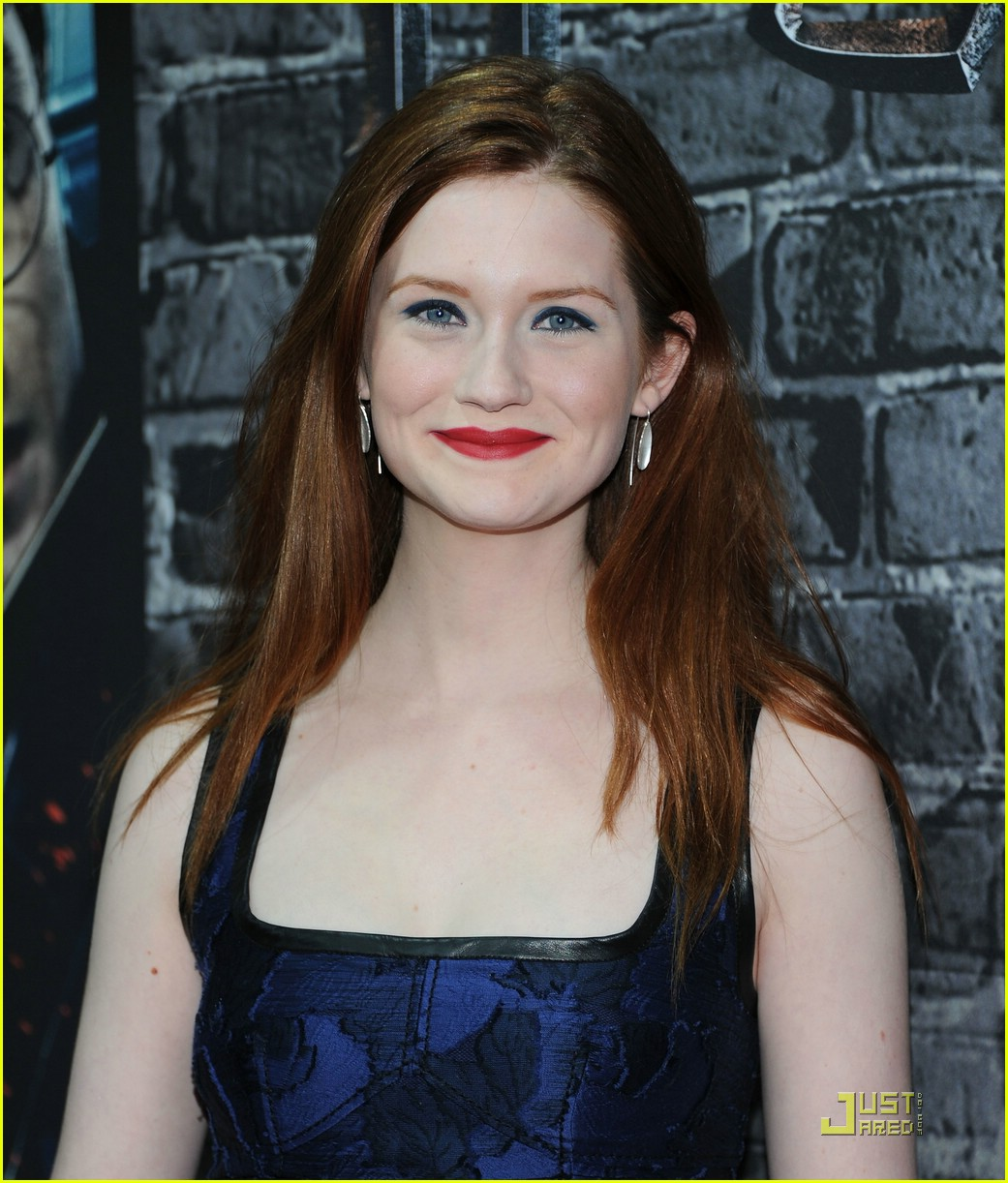 bonnie wright hp exhibition 10