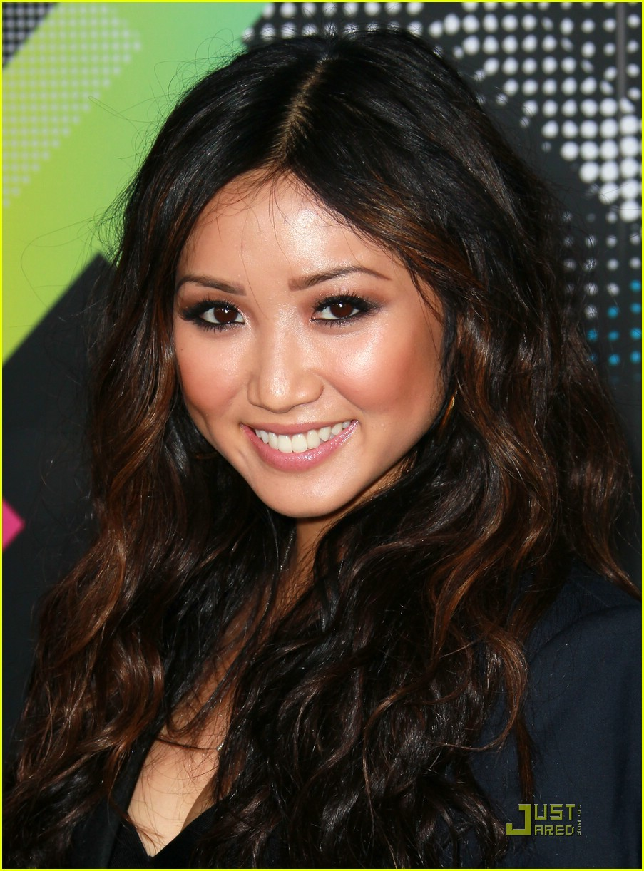 brenda song trace t mobile 06