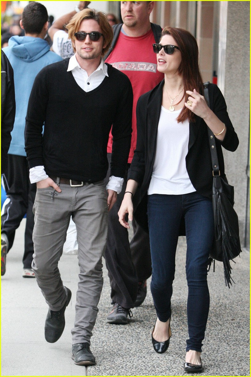 ashley greene jackson rathbone walk 06