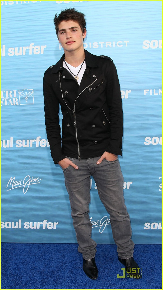 gregg sulkin soul surfer 04