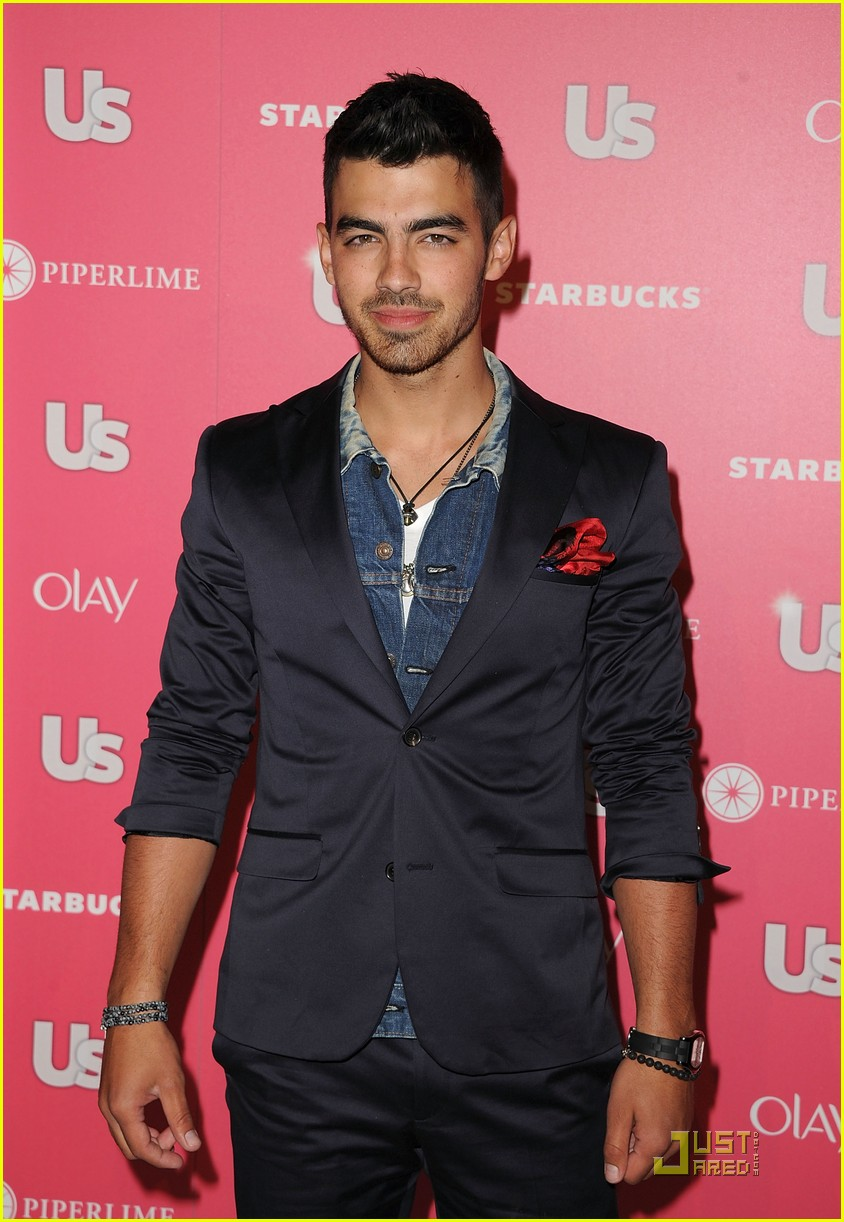 joe jonas hot hollywood party 02