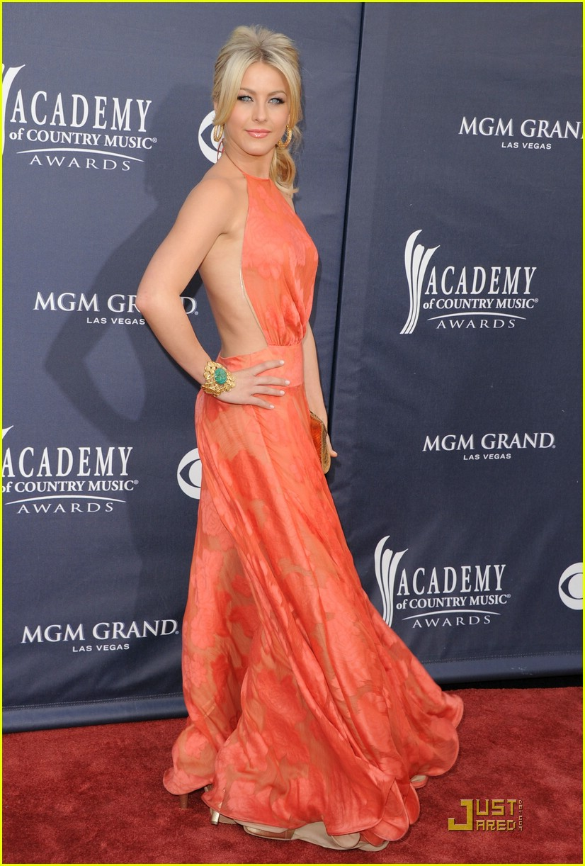 julianne hough acm awards 02