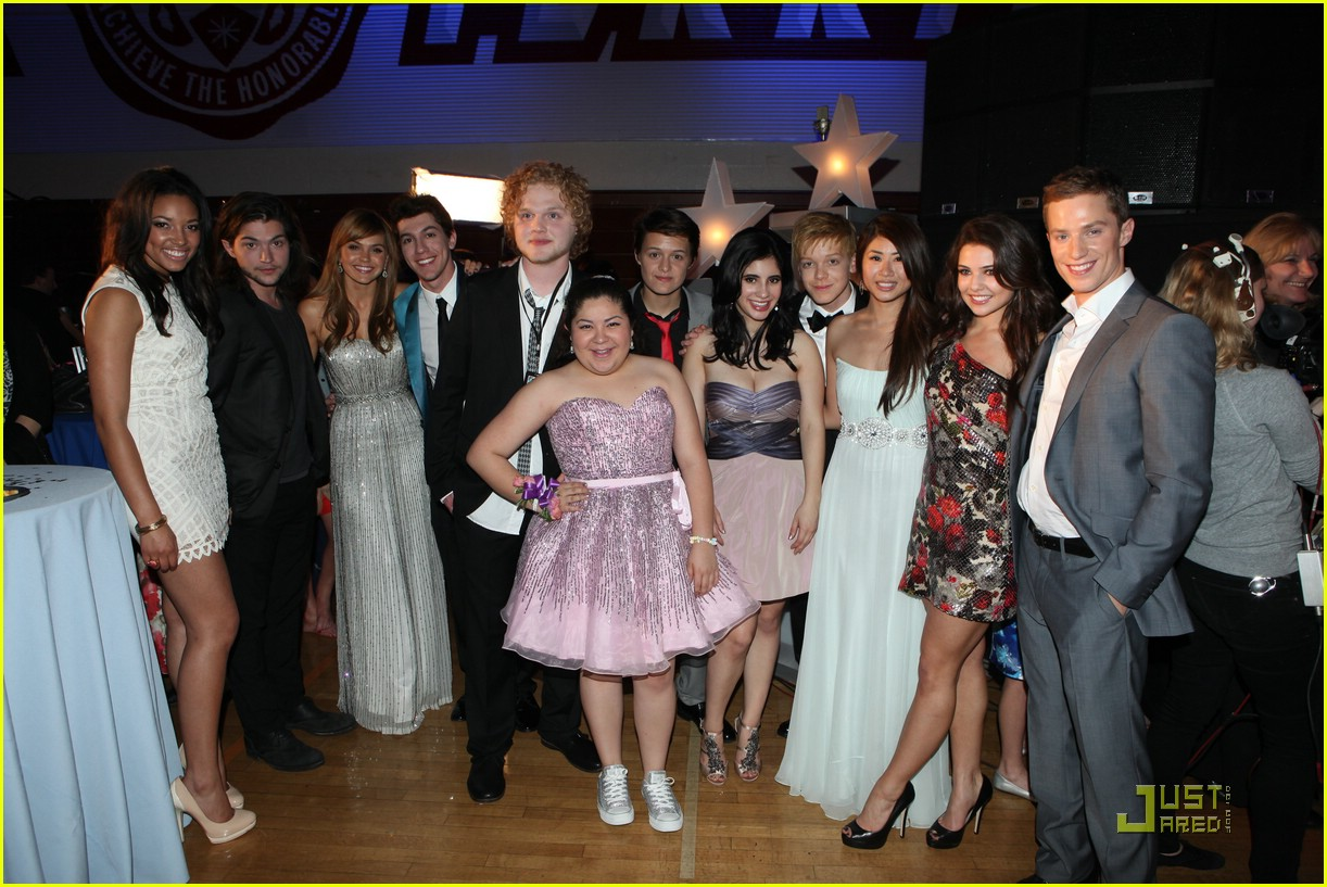 raini rodriguez kylie bunbury prom 04