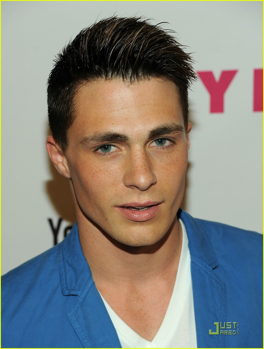 colton haynes crystal reed nylon 05
