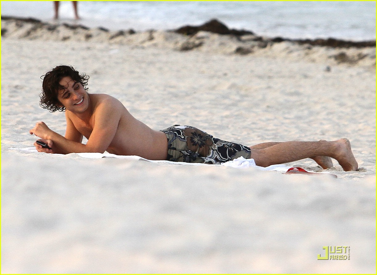 diego boneta beach miami 04