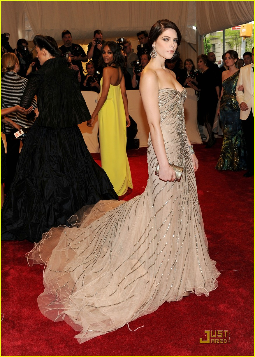 ashley greene met ball 2011 08