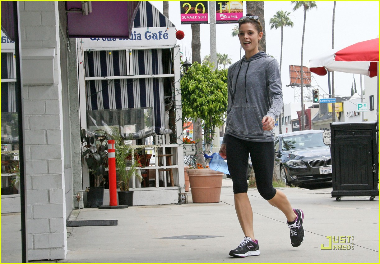 ashley greene weekend workout 05