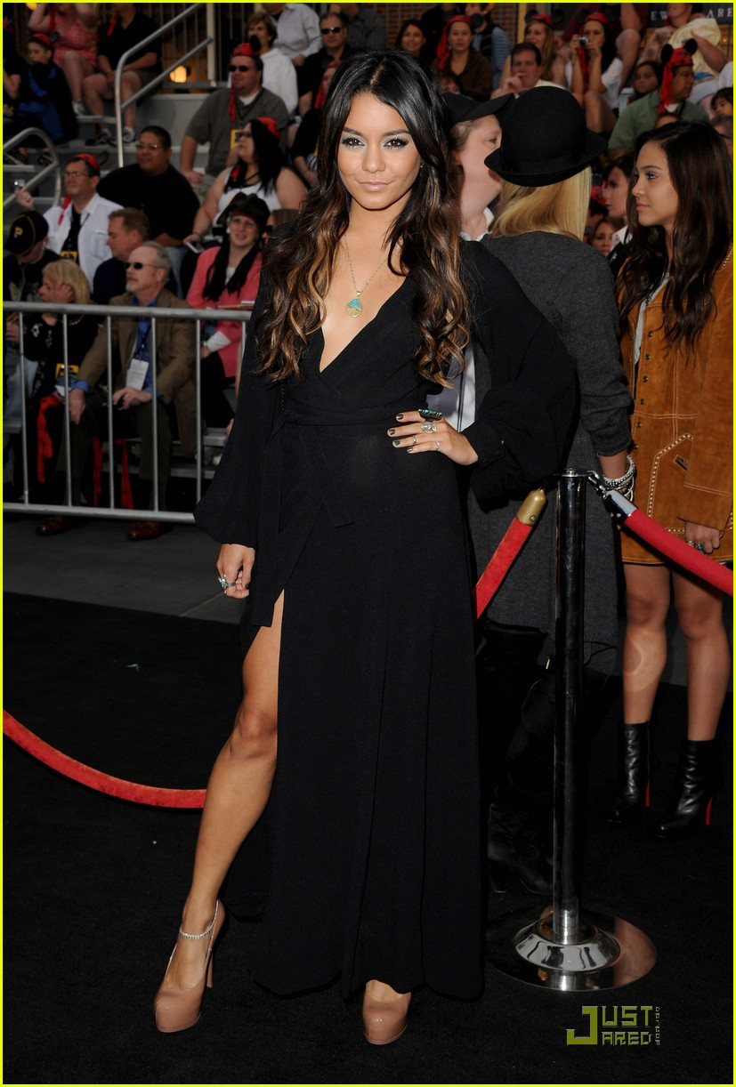 vanessa hudgens ashley tisdale pirates premiere 09