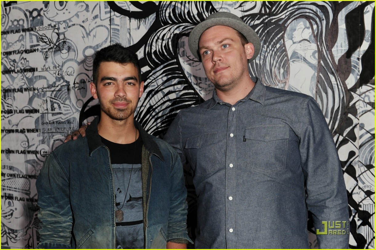 joe jonas maxim hot 100 15