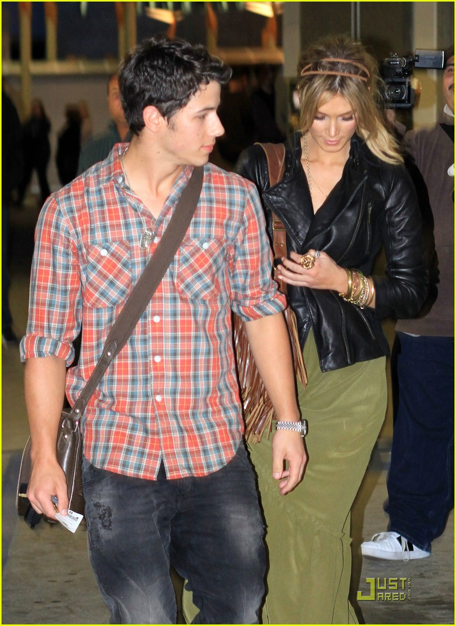 nick jonas delta goodrem movies 03