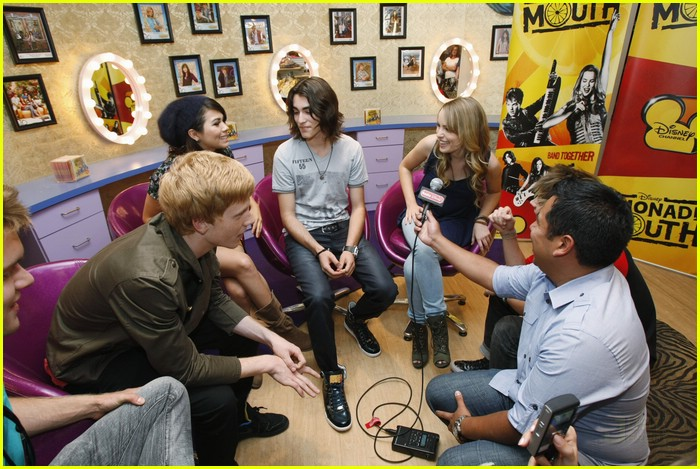 lemonade mouth disneyland 13