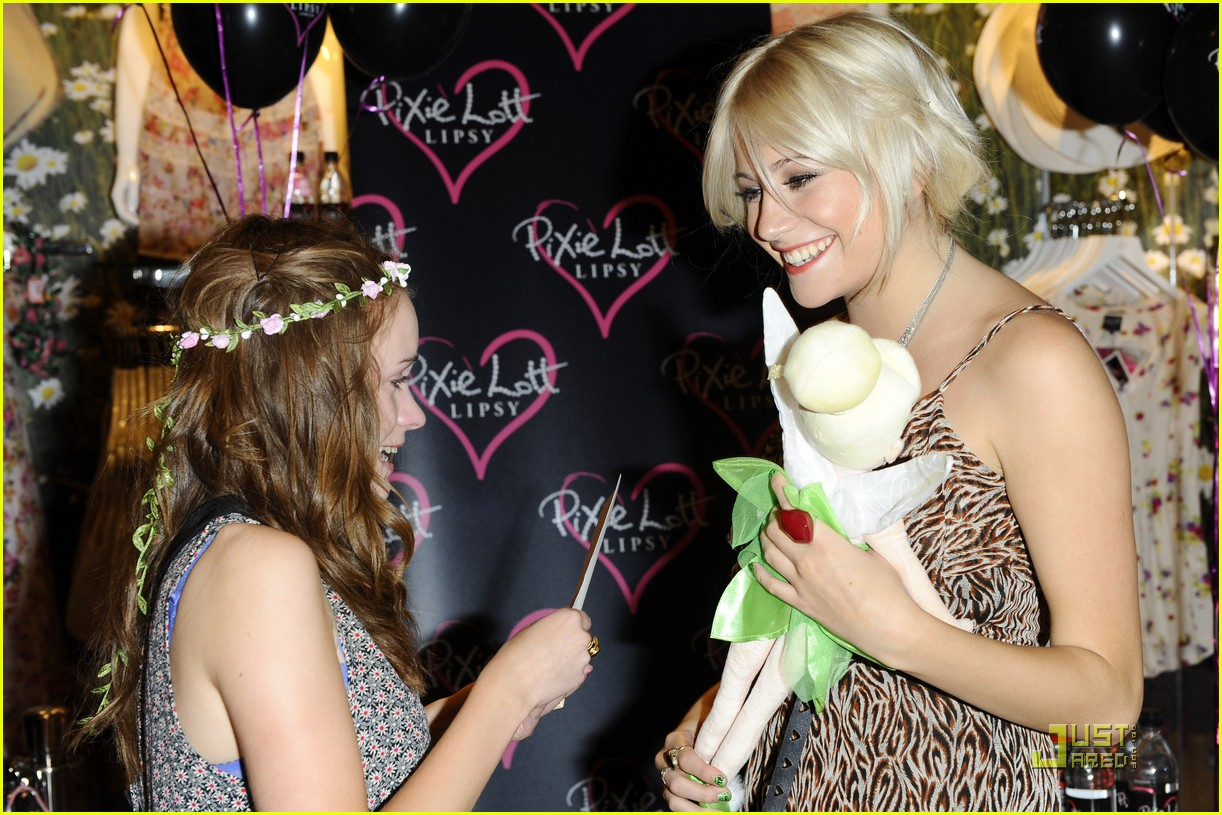 pixie lott launch lipsy party 13