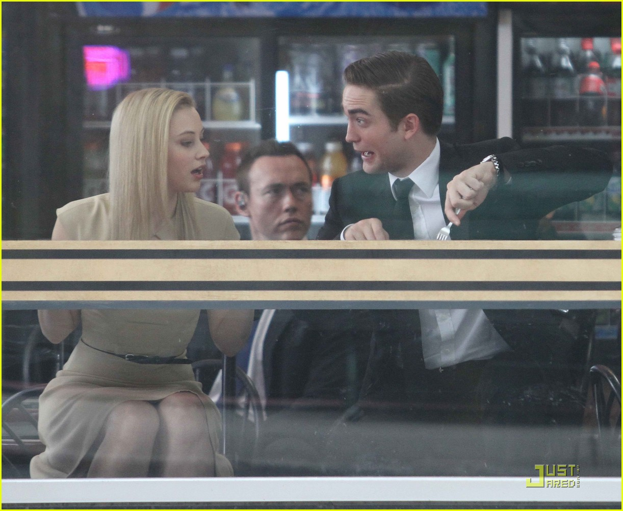 robert pattinson cosmopolis set 01