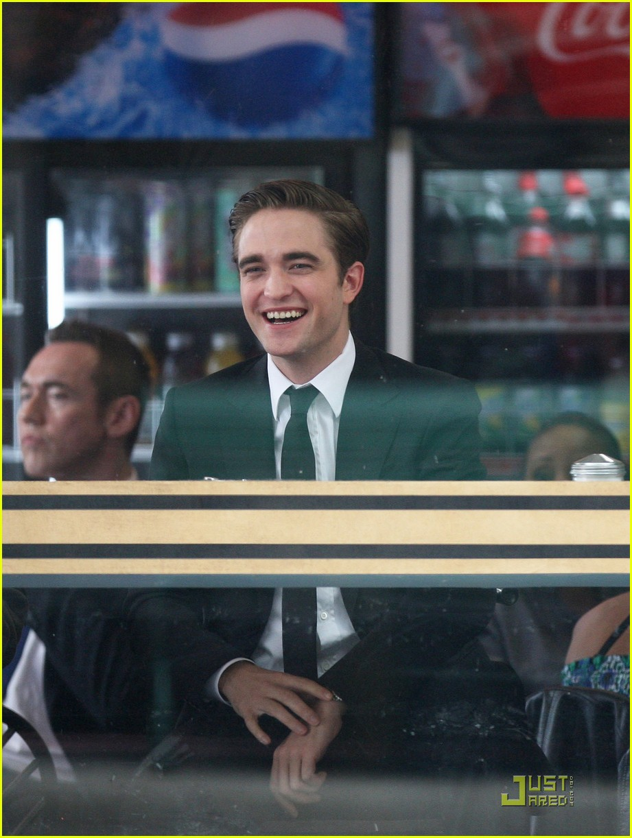 robert pattinson cosmopolis set 02