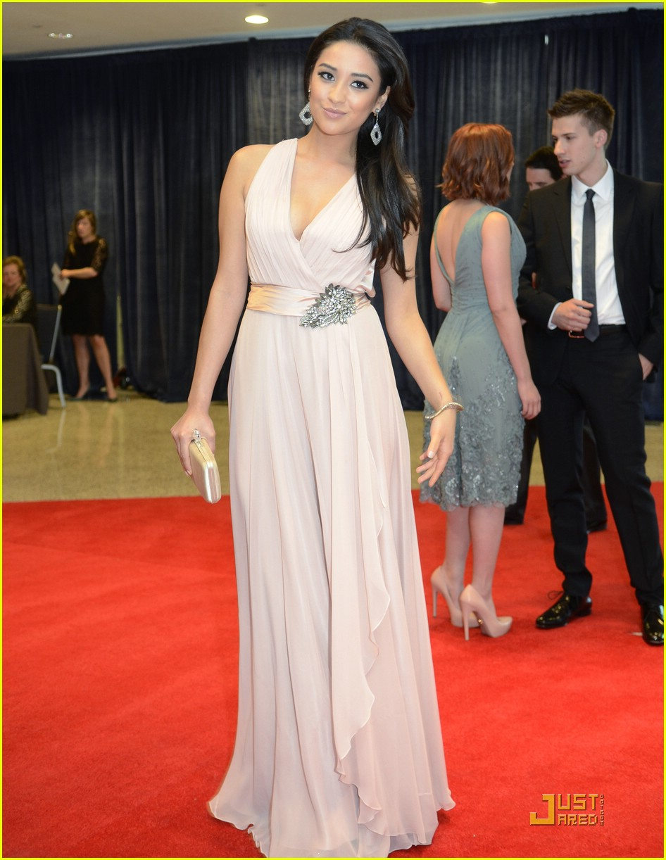 shay mitchell white house 02