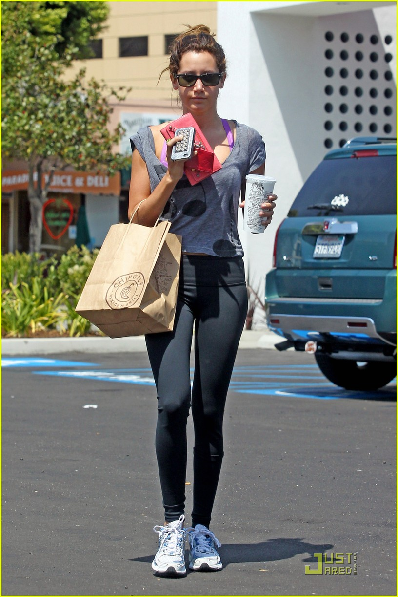 ashley tisdale chipotle 03