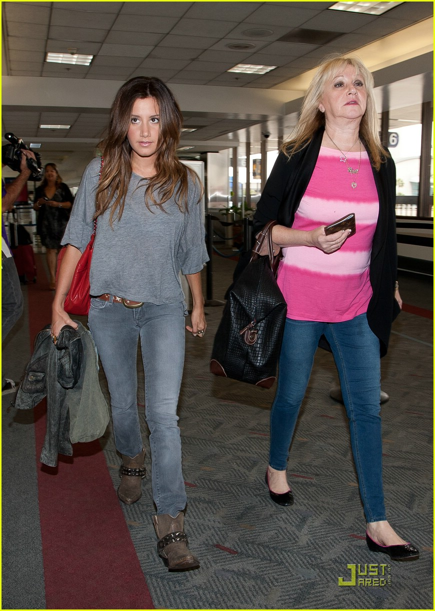 ashley tisdale lift off london 01