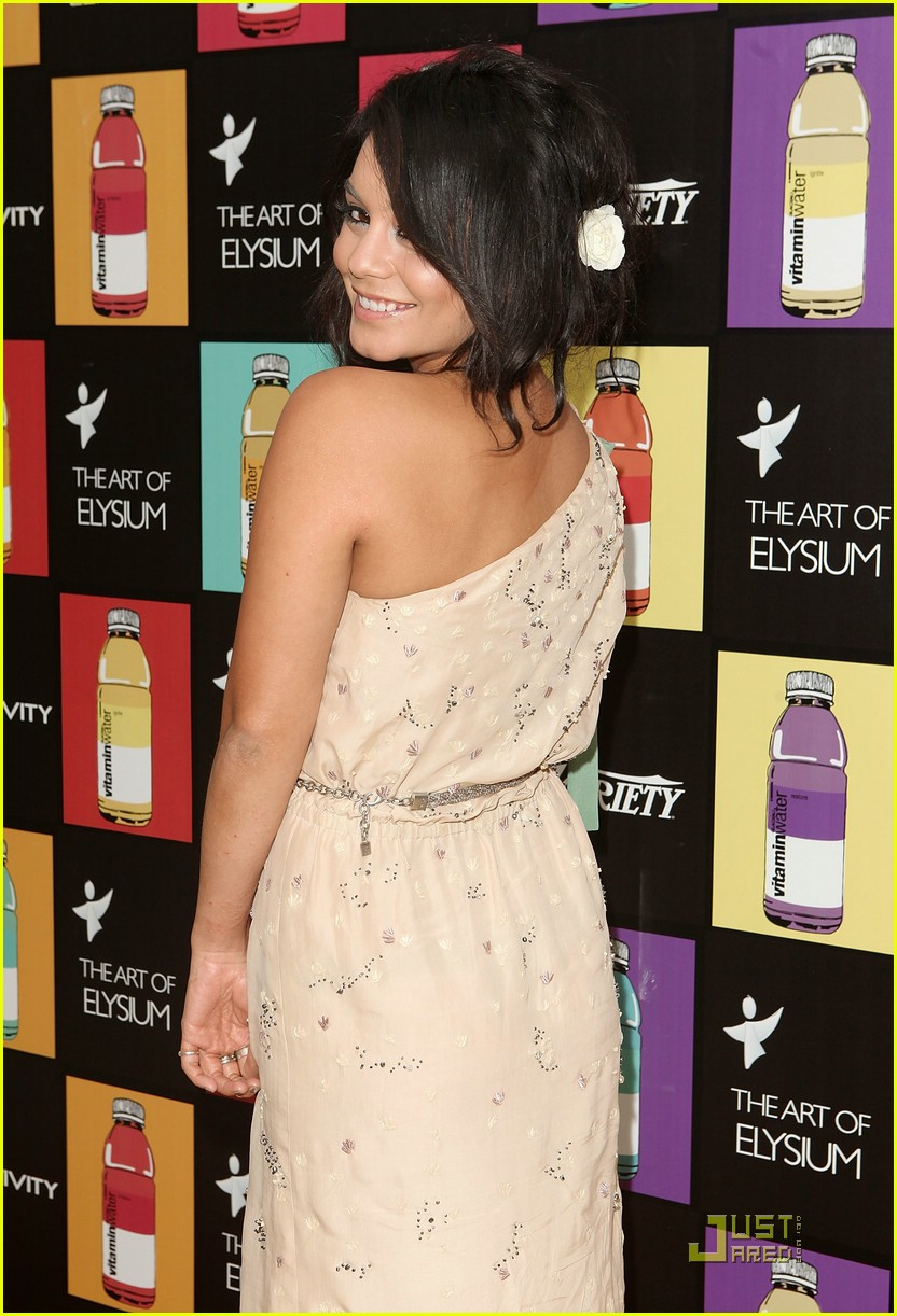 vanessa hudgens elysium party 05