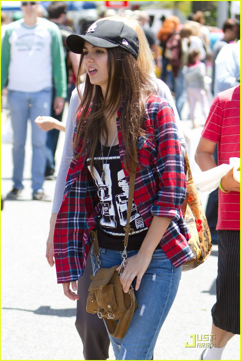 victoria justice ryan rottman farmer market 12