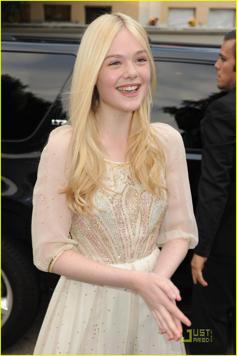 elle fanning super8 premiere 05