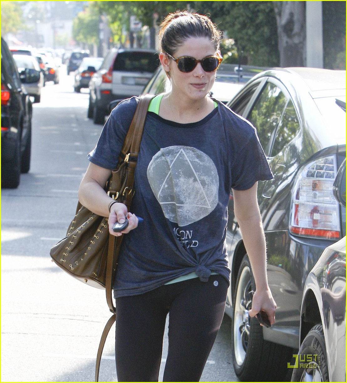 ashley greene gym not dealing 02