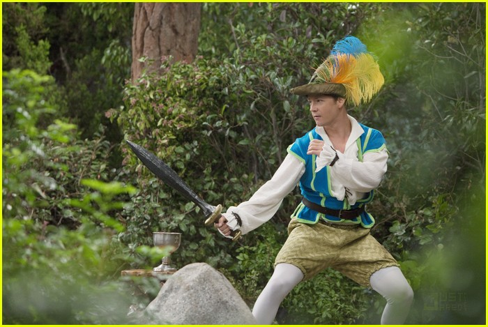 jason earles feather hat 05