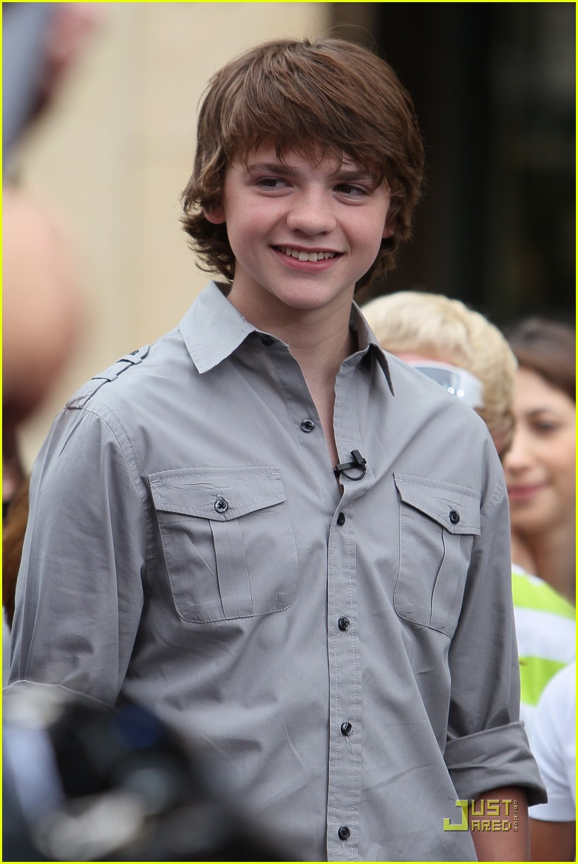 joel courtney super 8 premiere 17