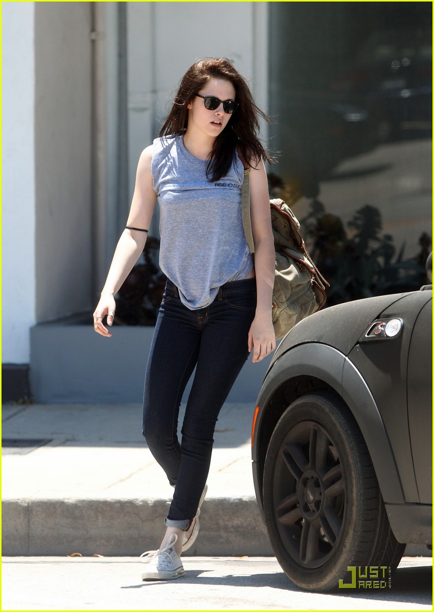 kristen stewart rise movement 01