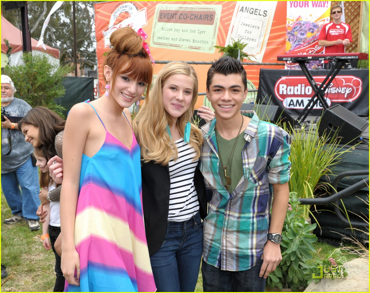 zendaya bella thorne time heroes 03