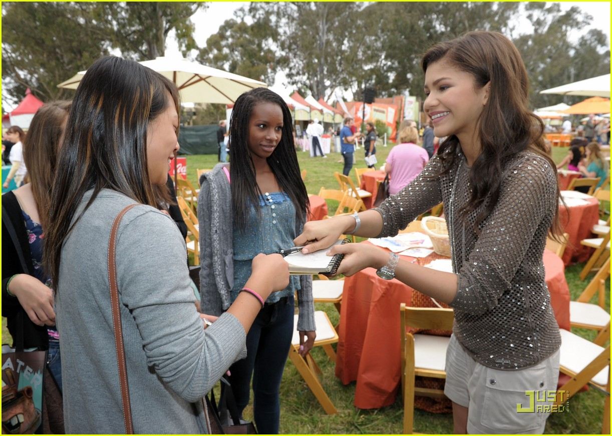 zendaya bella thorne time heroes 08