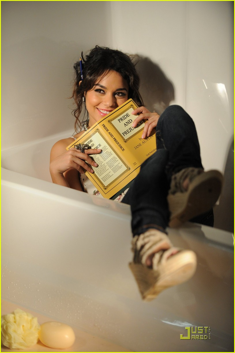 vanessa hudgens outtakes candies 01