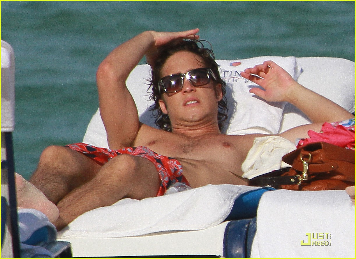 diego boneta beach football 08