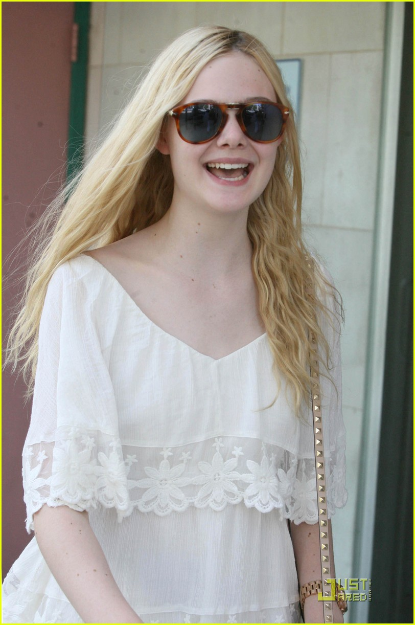 elle fanning twixt first pic 01